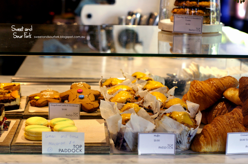 (4) Cakes