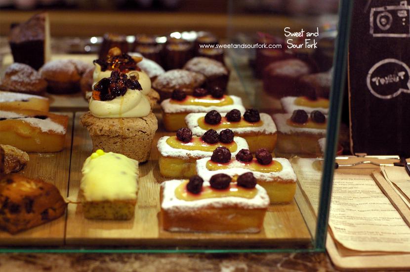(7) Cake