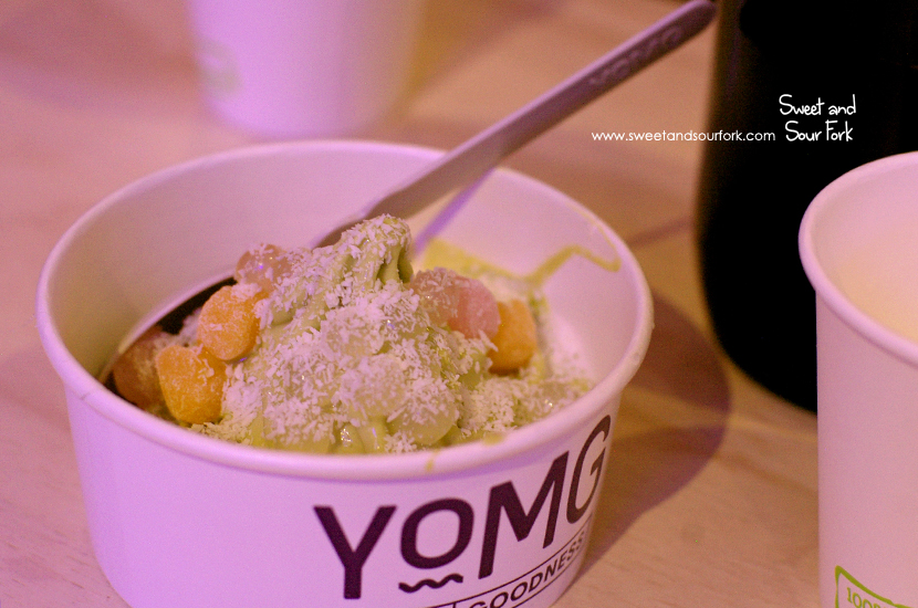 Green Tea Frozen Yoghurt with Mochi, Lychee Popping Pearls, Coconut