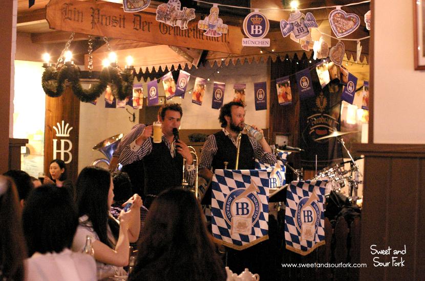 (3) Band