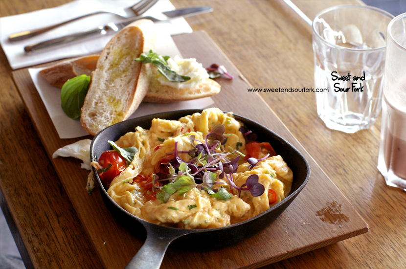 Chilli Scrambled Eggs ($18)