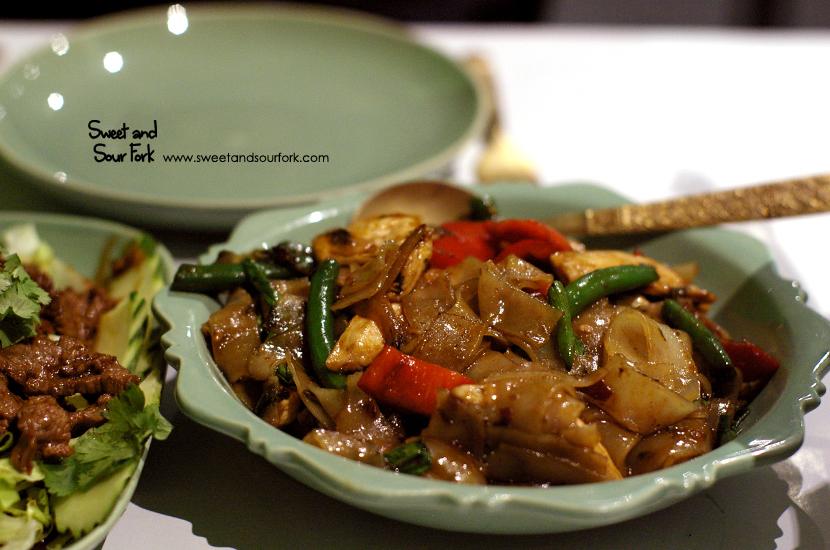 Chicken Pad Kee Mao ($14.5)