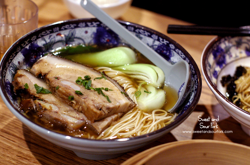 Braised Pork Belly in Noodle Soup ($12.8)