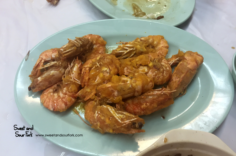 Fried Prawns Coated With Salted Duck Egg Yolk