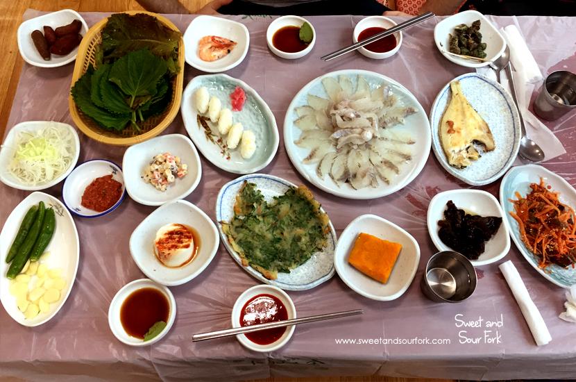 Flatfish Sashimi/Chive Pancake/Grilled Fish/Banchan