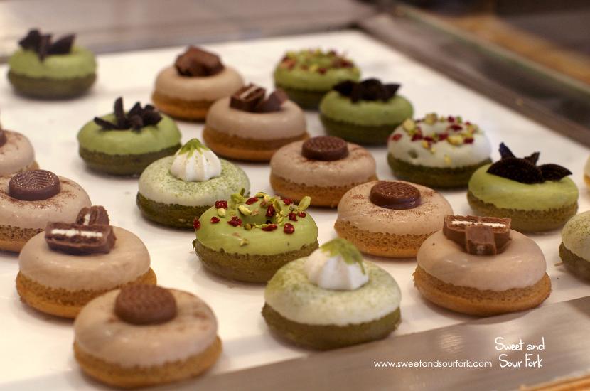 (4) Doughnuts