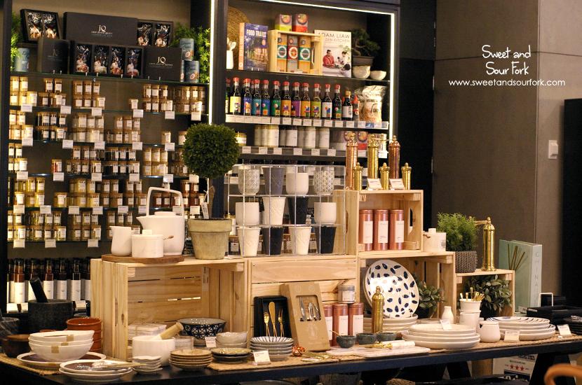 (8) Shop
