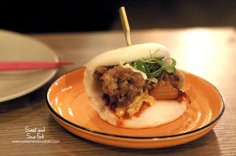 Hochi Chicken Banh Bao ($8ea)