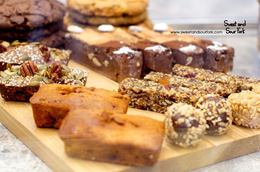 (7) Cakes