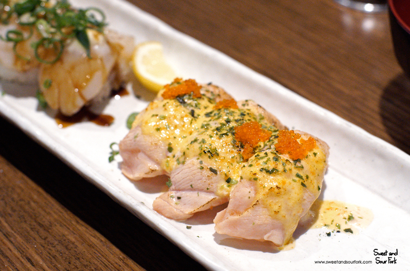 Salmon and Scallop Aburi Sushi ($11.7, 6pcs)