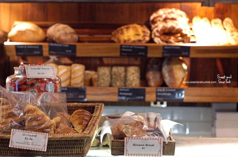 (4) Croissants