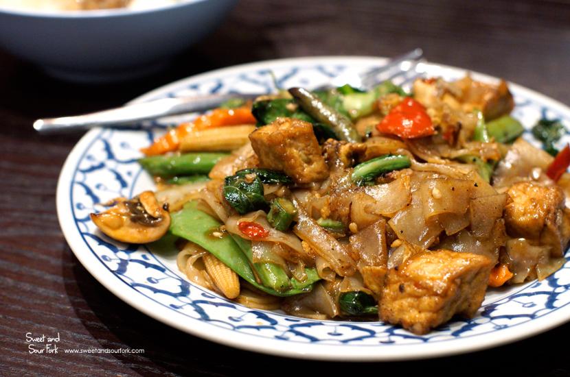 Vegetable and Tofu Pad Kee Mao ($9.9)