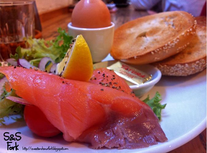 (4)+Egg+and+Salmon+Bagel+12.JPG